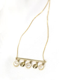 mop white necklace